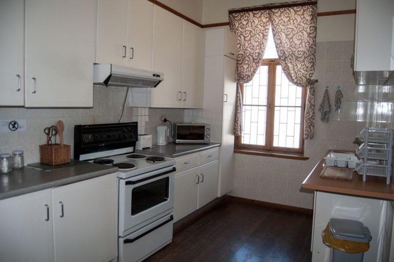 fully equipped kitchen Lampe Apartment